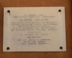 742px-Bevagna_-_Lapide_Commemorativa_ALESSIO_ASCALESI